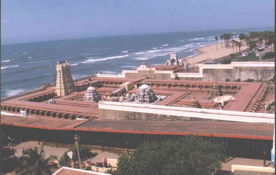 http://www.tamilnation.org/images/religion/temple/thiruchendur1.jpg